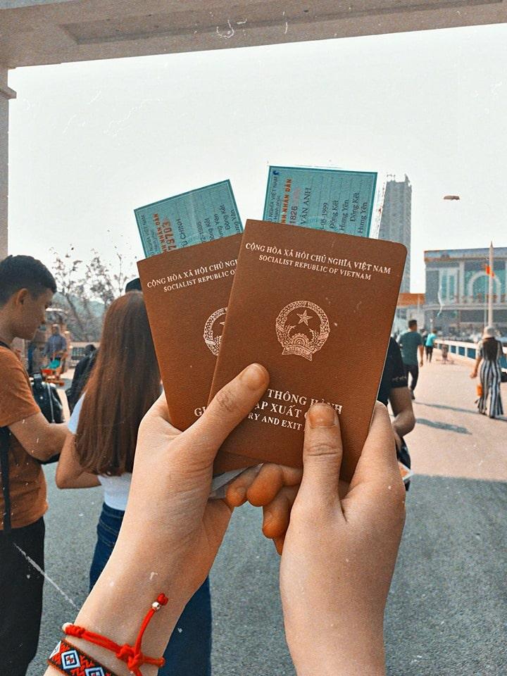 Làm sổ thông hành để du lịch Hà Khẩu Trung Quốc. Giá làm sổ 350k