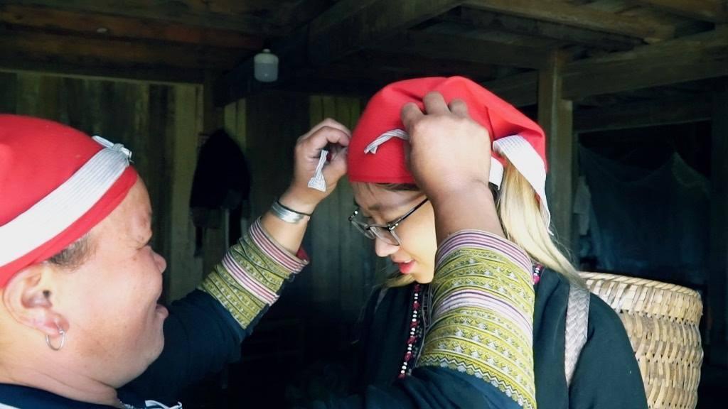 Nghề truyền thống dệt thổ cẩm nổi tiếng ở Bản Tả Phìn