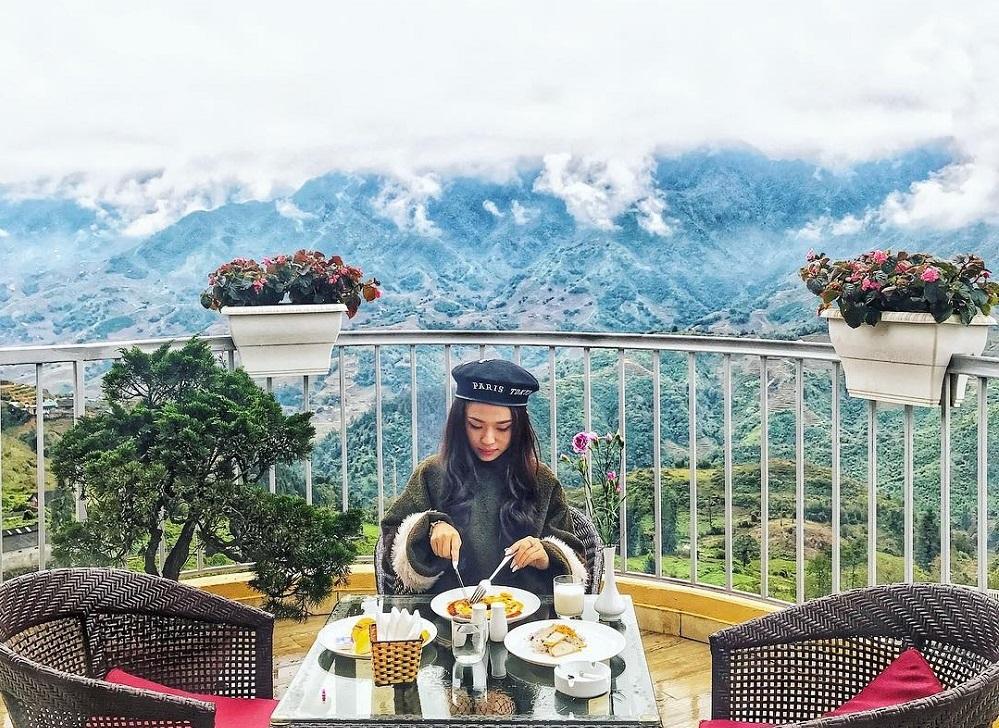 khách sạn view núi ở sapa 2