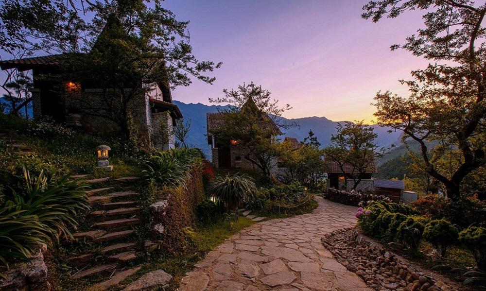 khách sạn view núi ở sapa 5